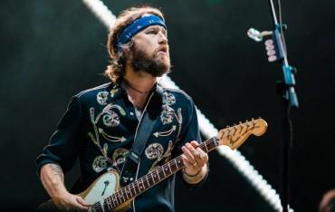 Gitaris Foo Fighters Jual Koleksi Gitar Pribadinya