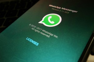 WhatsApp Mulai Uji Coba Stiker