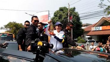 Yayuk Basuki Arak Api Obor Asian Games di Semarang