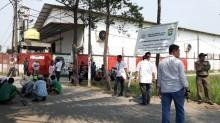 Polisi Tutup Akses Jalan Pergudangan di Tangerang