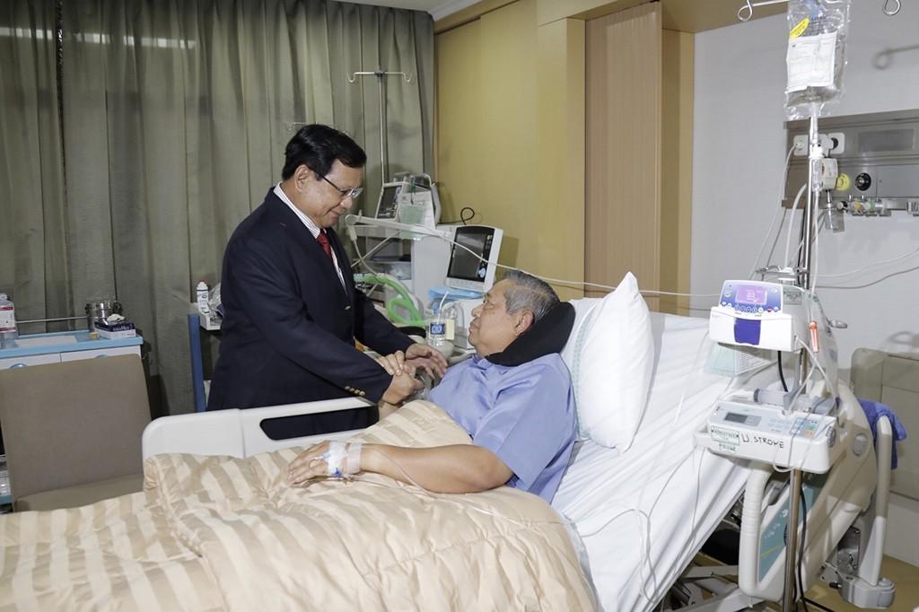 Jenguk SBY, Prabowo: Bukan Bicara Pilpres
