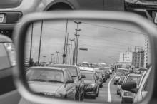 Sering Tengok Kaca Spion, Kurangi Risiko Kecelakaan