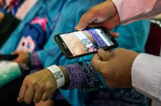 Gelang Jemaah Haji Dilengkapi Kode QR