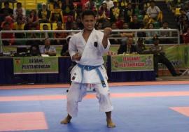 Jawara Karate Arak Obor Asian Games di Makassar