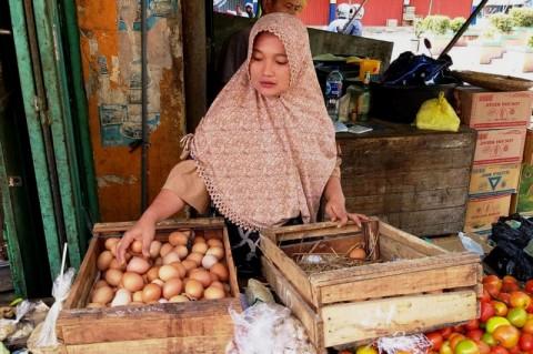 Pedagang telur di Pasar Jepara Satu