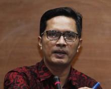 Empat Tersangka Suap DOKA Aceh Diperiksa