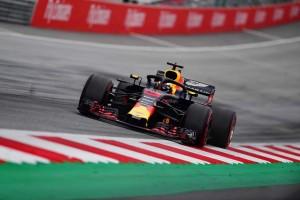 Unggul Tipis dari Hamilton, Ricciardo Tercepat pada FP1 GP Jerman