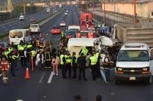 Mobil Tabrak Belakang Truk di Meksiko, 13 Orang Tewas