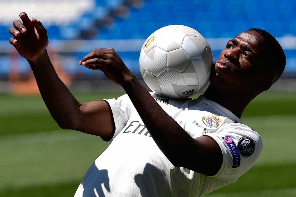 Madrid Resmi Perkenalkan Vinicius Junior