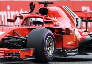 Mobil Hamilton Mogok, Vettel Rengkuh Pole Position