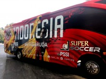 Timnas Sepak Bola Indonesia Difasilitasi Dua Bus Mewah