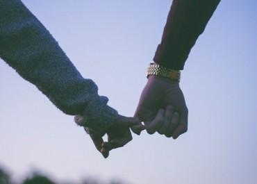 Pasangan Masih Berhubungan dengan Mantan? Ini yang Harus Anda Lakukan