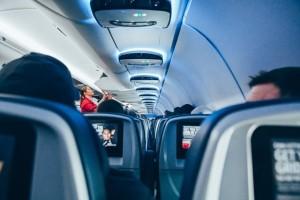 Cara Mengatasi <i>Jet</i> <i>Lag</i> pada Anak