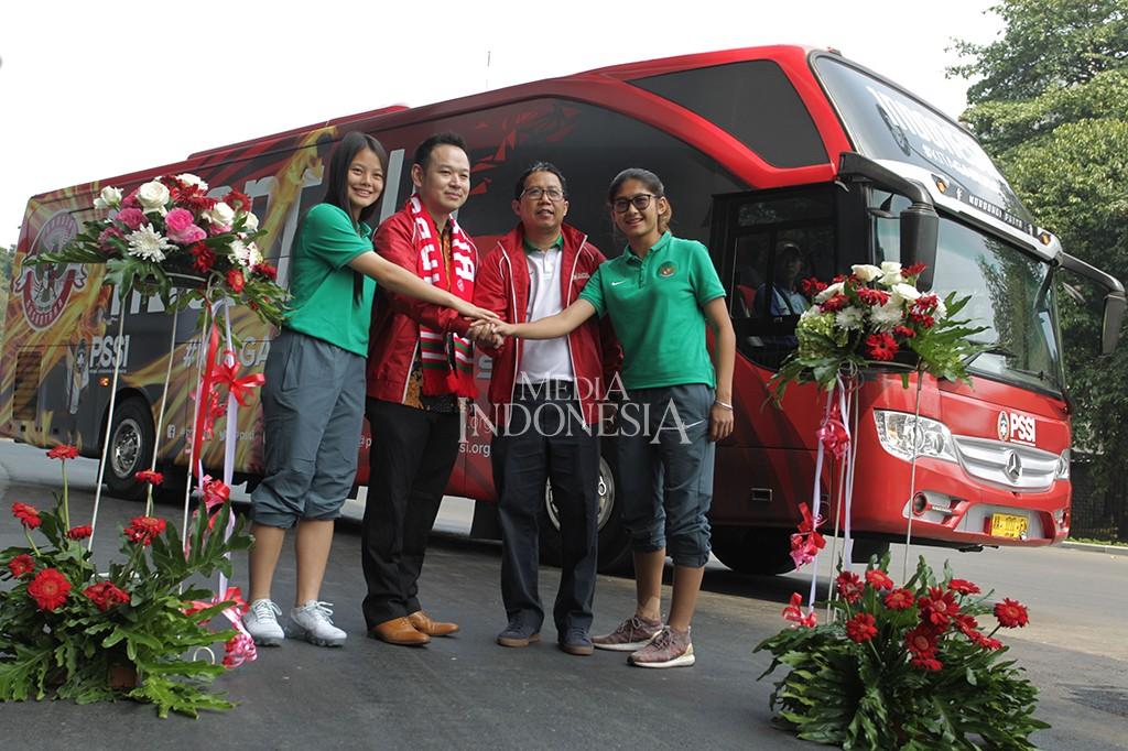 Timnas Indonesia Perkenalkan Bus Baru