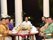 Jokowi dan Ketum Parpol Santap Rendang 'Koalisi'