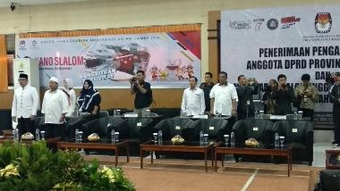 Situasi rapat pleno Pilgub Jabar di KPU Jabar. (Roni K)
