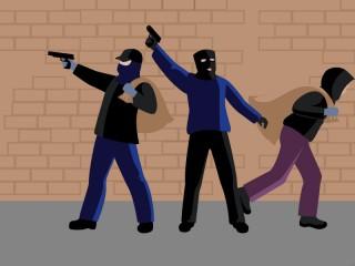 Garong Bersenjata Gasak Alfamart Benhil