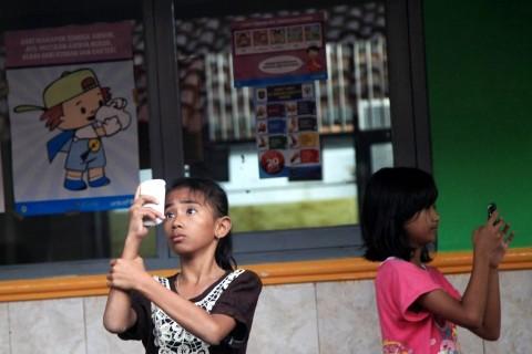 Wacana Pemerintah Batasi Penggunaan Gawai pada Anak
