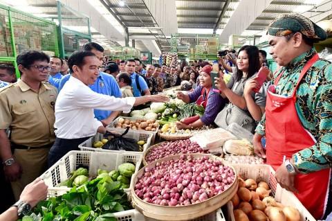 Jokowi Blusukan di Pasar Kranggan Yogyakarta