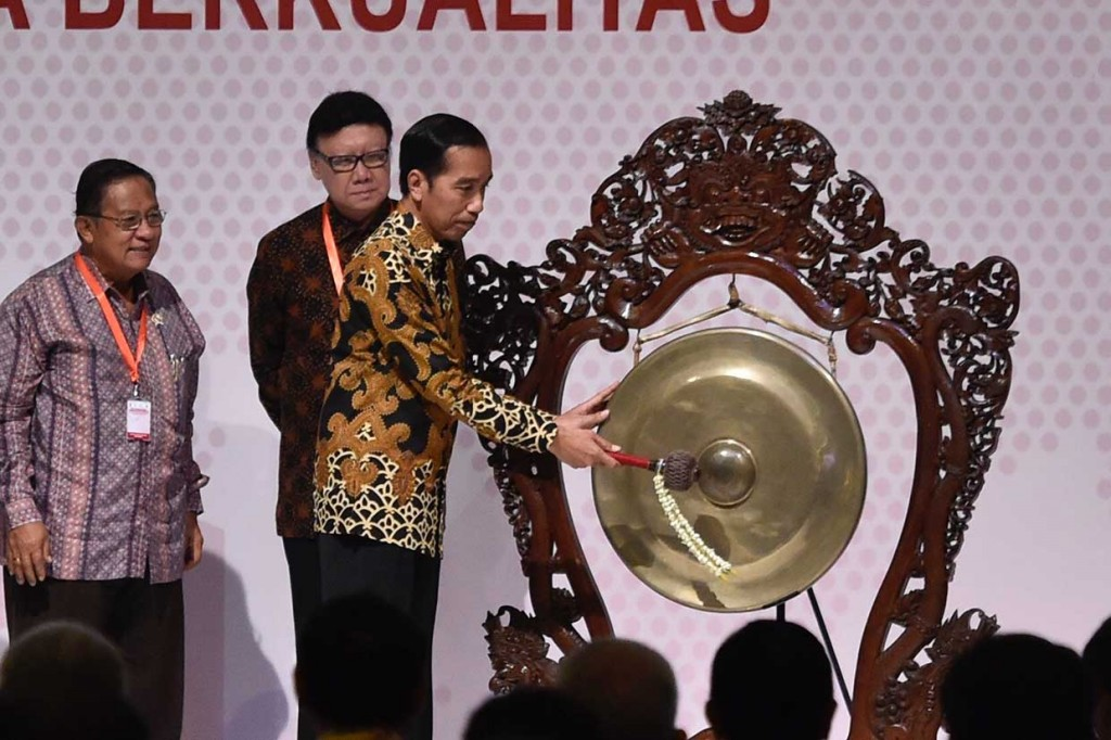 Jokowi Minta Daerah Permudah Investasi Berorientasi Ekspor