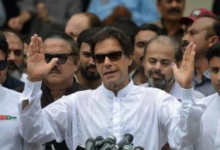 Mantan Atlet Kriket Pakistan Unggul di Hitung Cepat Pemilu