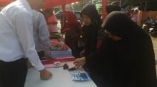 Warga Wajib Celupkan Jari ke Tinta usai Bertransaksi di Pasar Murah