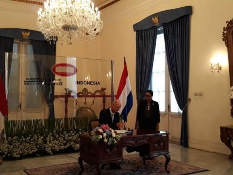 Menlu Retno Telepon Menlu Belanda soal Kasus Pemerkosaan WNI