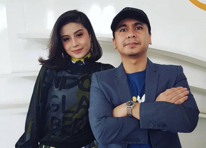 Raditya Dika dan Awkarin (Foto: instagram)