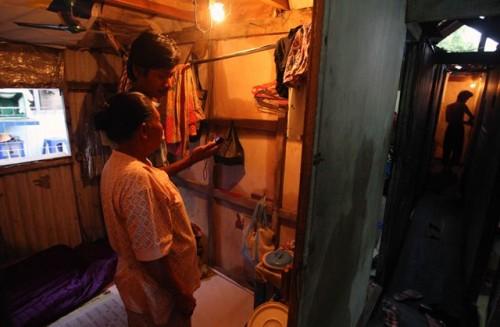 Kamar sebuah kontrakan di pemukiman padat Johar Baru, Jakarta.