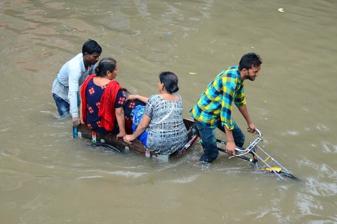 49 Orang Tewas Akibat Hujan Badai di India Utara