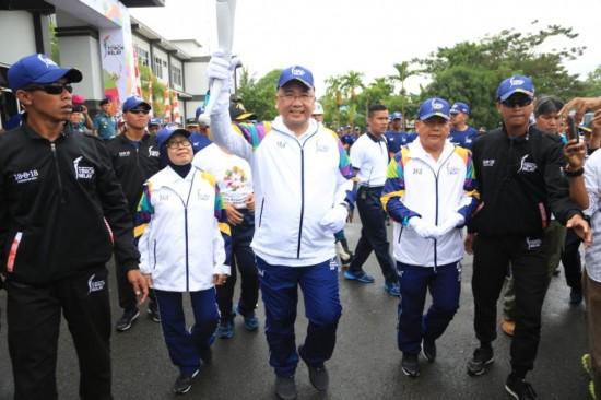 Mendes PDTT Bawa Obor Asian Games di Sorong