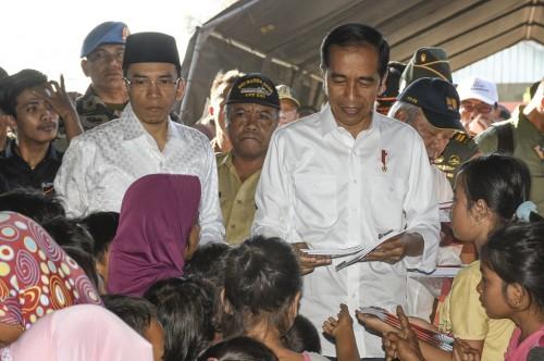 Presiden RI Joko Widodo mengunjungi anak-anak korban gempa di