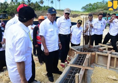 Menteri PUPR Basuki saat meninjau persiapan pembangunan pondasi