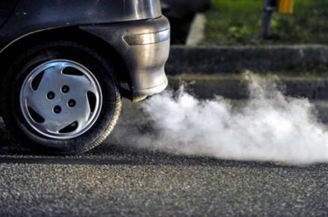 Beli Mobil Diesel Bekas, Kenali Kondisinya dari Warna Asap