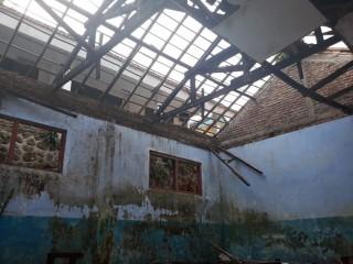 Sekolah Ambruk, Tiga Tahun Tak Kunjung Diperbaiki