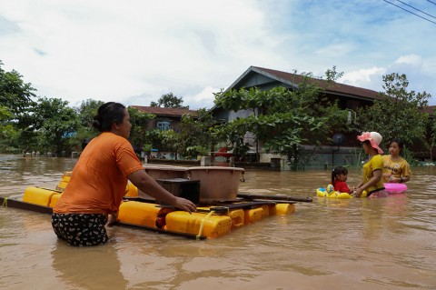 Lebih Dari 100 Ribu Warga Mengungsi Akibat Banjir di Myanmar