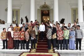 Jokowi Ingatkan Bupati Hati-hati Kelola Ekonomi