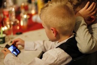 Prancis Larang Penggunaan Smartphone di Sekolah