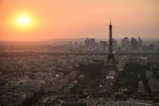 Menara Eiffel Ditutup setelah Pekerja Mogok