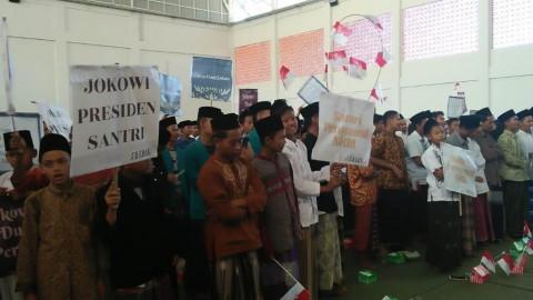 Sejumlah Santri di Cirebon Dukung Jokowi Dua Periode