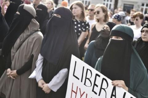 Langgar Aturan Pemakaian Cadar, Wanita di Denmark Didenda
