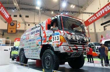 Truk Hino Dakar Rally mejeng di GIIAS 2018. HMSI