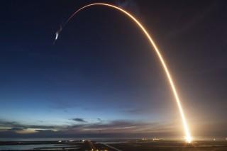 SpaceX akan Gunakan Kembali Falcon 9 untuk Kirimkan Satelit Telkom