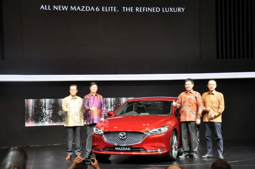 Penampilan perdana Mazda6 Elite di GIIAS 2018. Medcom.id/Ekawan