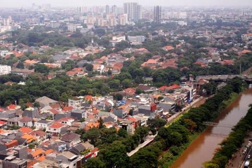 Jakarta masih kekurangan ruang terbuka hijau. Saat ini hanya ada