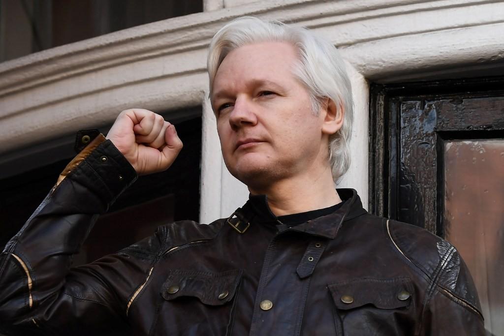 Pendiri WikiLeaks Julian Assange bertahan di Kedutaan Besar Ekuador di London, Inggris (Foto: AFP).