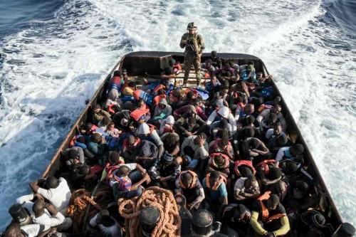 Imigran gelap nekat melintasi laut demi mencari kehidupan lebih