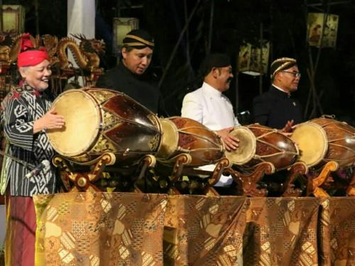 Mendikbud Muhadjir Effendy (paling kanan) saat membuka