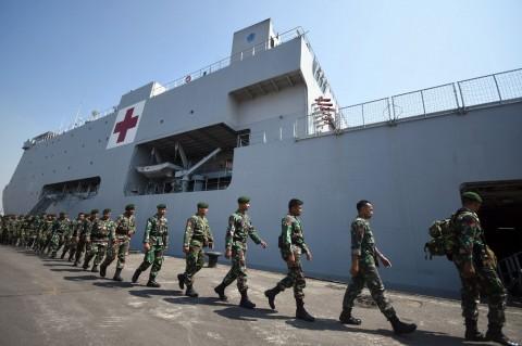 Sejumlah prajurit TNI yang tergabung dalam Satgas Pasukan Reaksi