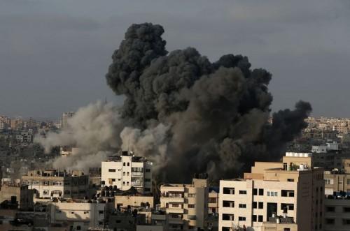 Pasukan Israel melancarkan serangan ke wilayah Gaza yang